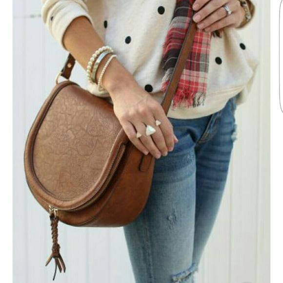 Sole Society Thalia Crossbody Handbag. M 5a762177a825a640bbf35377 fc891b499773c